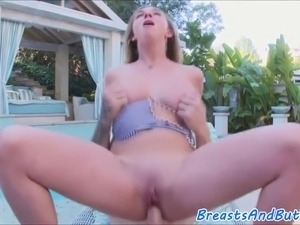 Bigbooty babe sucks cock outdoors