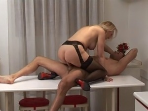 blonde milf pussy babes