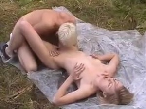 outside sex picture