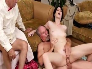 Virgin ass first time anal xxx Frannkie heads down the Hersey highway