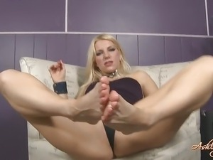 Lesbian foot worship video
