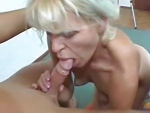 oldwomen and young boy sex