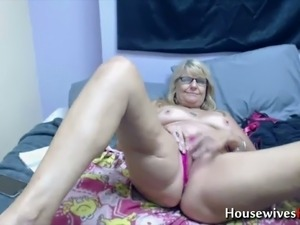 sexy house wife