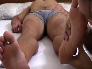 Hairy bear with twink foot fetish and gay boys their legs open Tommy G