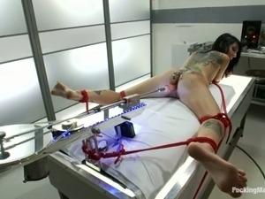 milf fuck machine video