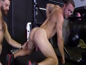 Jock gets asshole licked by horny gay stud