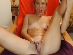 free mature busty webcams