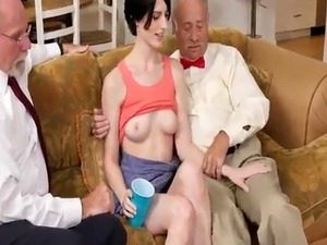 Teen mega world anal threesome Frannkie heads down the Hersey highway