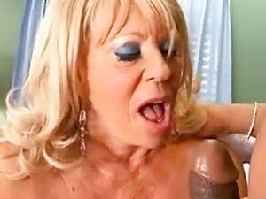 mature granny boobs pics