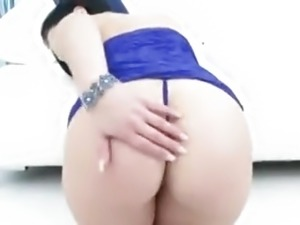 white girl with big butt