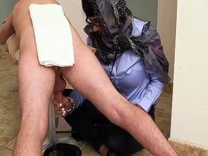i french maid kissing girls porn