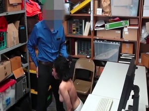 Police gangbang prisoner Suspect was apprehended trying to steal numer