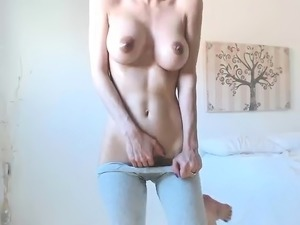 girl playing with big tits