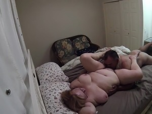Amateur MILF slut wifes squirting pussy on live webcam