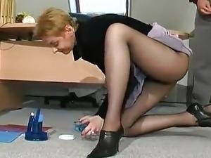 pantyhose babes video