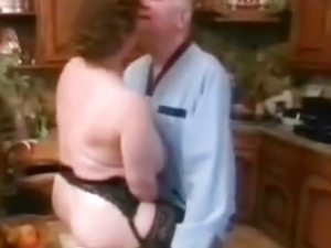 older women with younger man sex