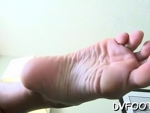 video girls foot fetish
