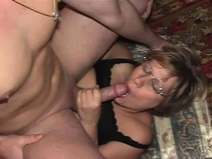 mature women fuck video