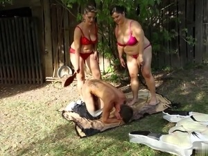 college homemade threesome videos
