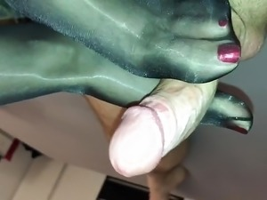 shaved wet hot pussy in pantyhose