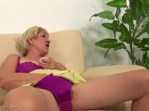 mature lesbian seduces full video galleries