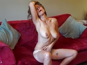 free hairy mature pussy fucking movies