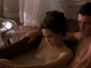Sexy naked angelina jolie