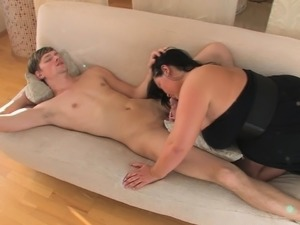 Rhonda Baxter with huge boobs gives titjob