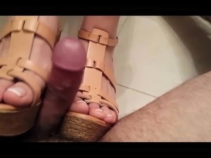 free girls foot in pussy