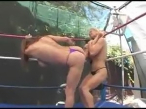 sexy naked fights videos free