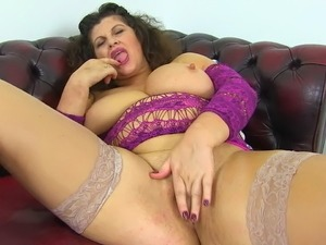 beautiful milf fuck herself movie