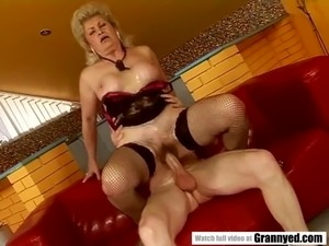 grannys close up small shaved pussy