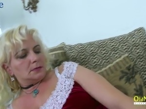 hotplus sexy mature women pictures