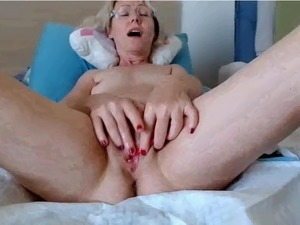 girls milky orgasm