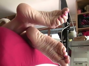 ebony male sole galleries