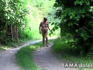 girlfriend public flashing