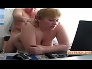 extreme hairy pussy pissing