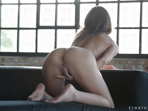 mature milf masturbating movies