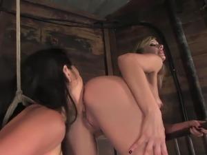 lesbian deep ass licking videos