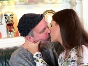Old man fucking a girl