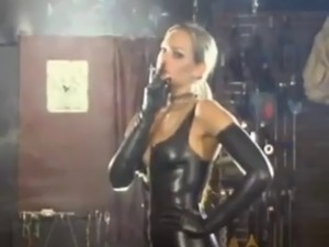 Miss nadia latex smoking fetish pov