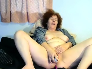 older mature hairy pussy women solo