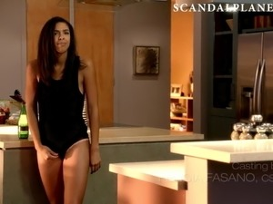 recent celebrity pussy flash and upskirts