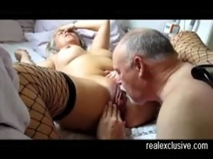 fucking a ruined pussy huge dildo
